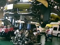 BMW745(E65)の水漏れ修理中
