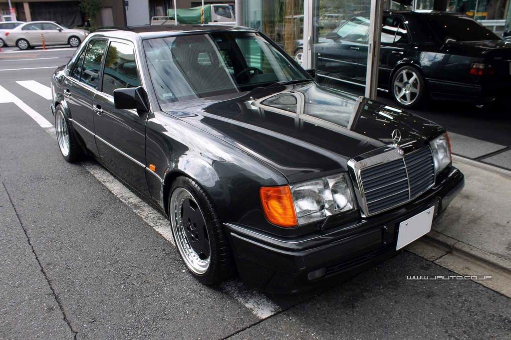 mercedes benz w124 1992y 500e 199 blue black garage 500e 趣味の