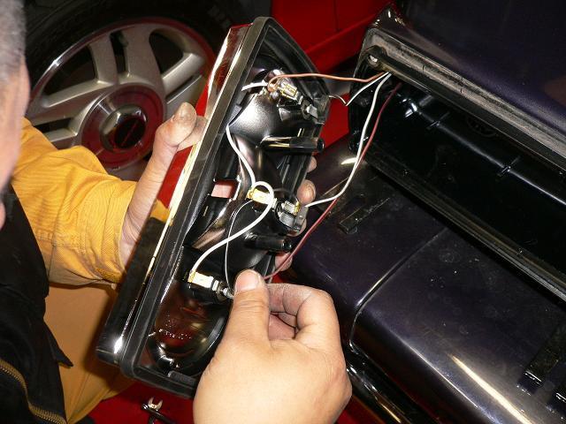 大阪 アメ車 輸入車 カスタム HID LED  修理 車検 整備 パーツ ABS修理 専門店 ガレージアクト Garage-Act